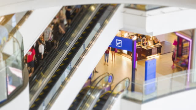 4K time lapse group of people buy some thing about electronic devices at shopping mall