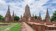 Time Lapse Landmark Old Temple wat Chaiwatthanaram with tourist