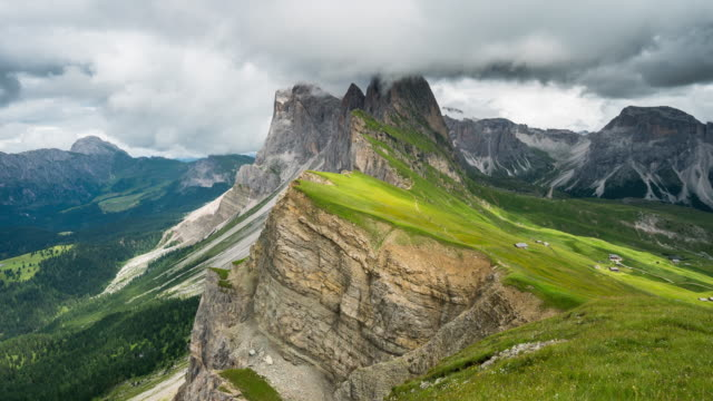 Time Lapse, Moving cloud at Secede, Dolomites