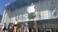 Time Lapse of the beautiful flagship APPLE STORE in Santa Monica California with many customers entering and exiting the modern glass structure