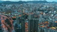 4K Zeitraffer von oben betrachten, die Hong Kong Stadtbild am Tag bis zum Abend Zeit sehen können