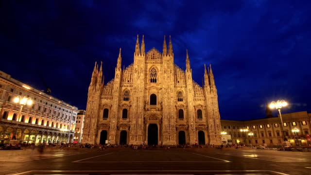 HD Time lapse - Piazza Duomo Milan twilight to night