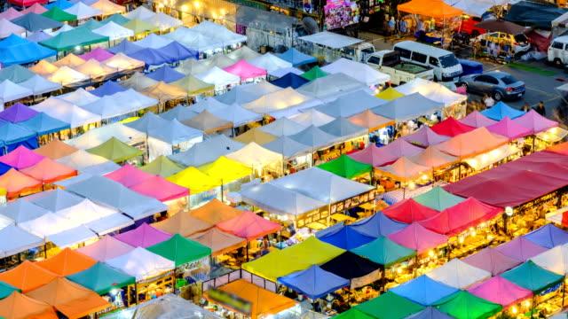Zeit Ablauf beliebten Markt Nachtmarkt in Bangkok Thailand
