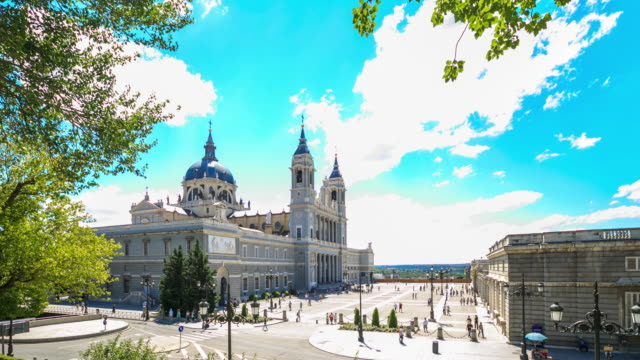 4K Time Lapse : Royal Palace of Madrid