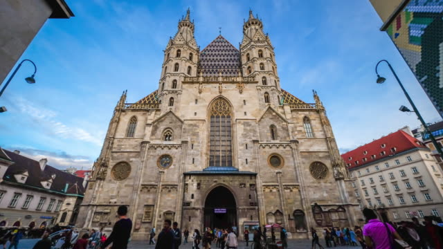 4K Time lapse : St. Stephens Cathedral, Vienna