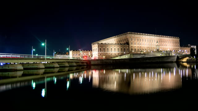 HD Time Lapse: Stockholm Palace at Night Tilt