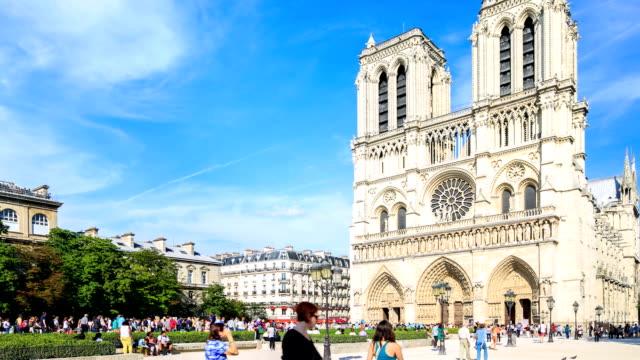 Time lapse in hd la cattedrale di notre dame di parigi in for Parigi non turistica