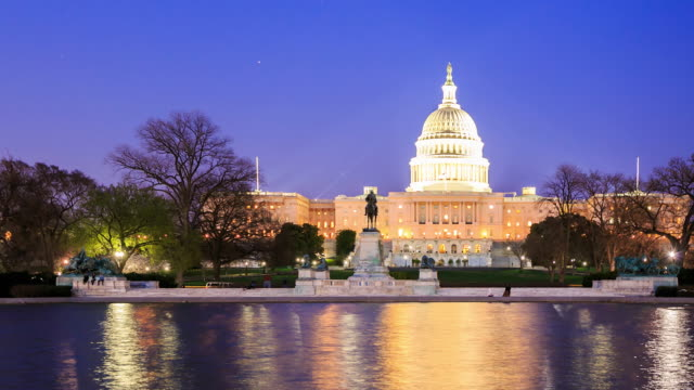 4K Time Lapse : The United States Capitol