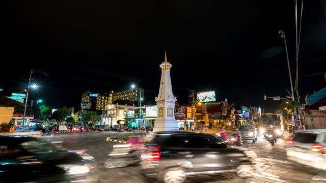 Time Lapse : Traffic at Tugu Yogyakarta.