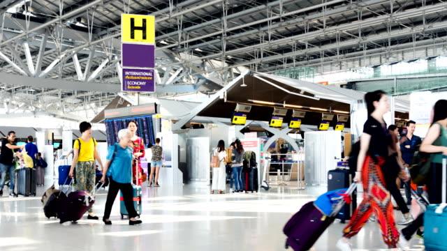 Time-lapse 4K: Traveler crowd at Airport .