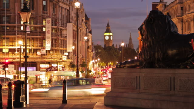 Time-lapse at Trafalgar Square featuring Big Ben in London