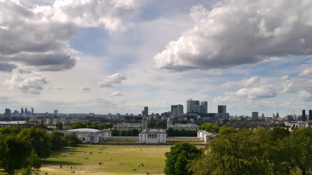 Time-lapse. Canary Wharf and Greenwich park