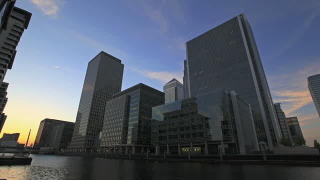 Time-lapse. Canary wharf day to night HD video