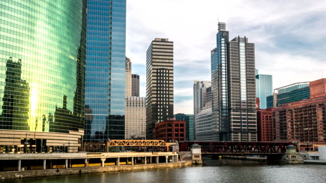 HD Time-lapse: Chicago River with Skyline Cityscape USA