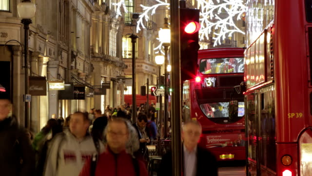 Timelapse Christmas London street  CH  URB