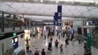 Timelapse Crowded people in Hong kong airport