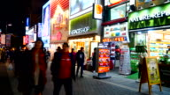 Time lapse: Affollata persone in Myeong-dong mercato in Corea città