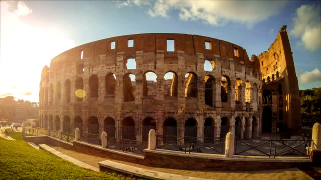 Timelapse: dezoom of the Colosseum - Rome HD Video