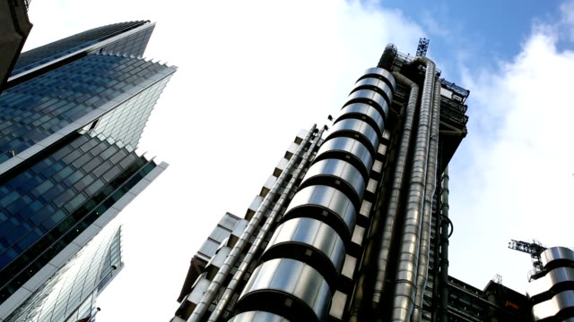 HD Timelapse Lloyd's building in City of London