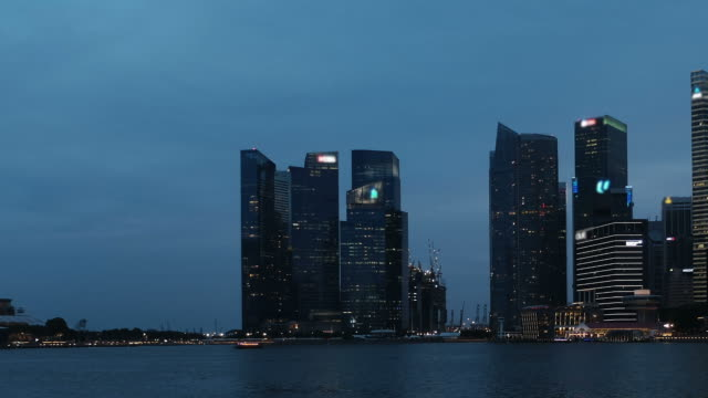 HD time-lapse : Marina bay at Night , Chilling out here , Singapore