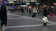 CNEUCIT1148 Time-lapse of commuter at train station