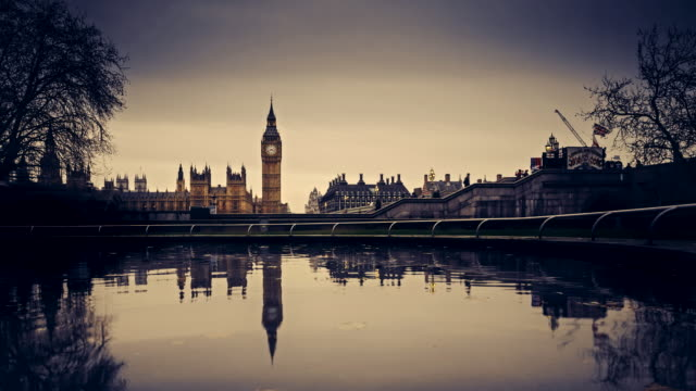 Time-lapse of dusk to night of Houses of Parliament, London, UK