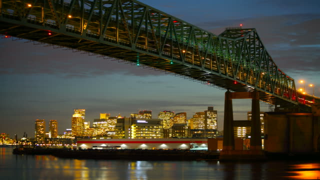 Time lapse della Tobin Bridge e la skyline di Boston