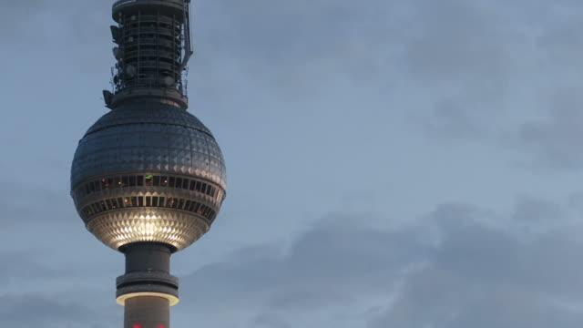 HD : timelapse of the Tv tower  alexanderplatz - Berlin