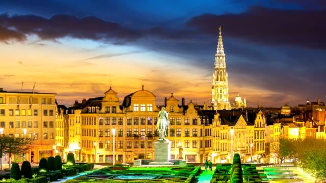HD Time-lapse panning: Pedestrian Brussels Grand Place garden Belgium sunset