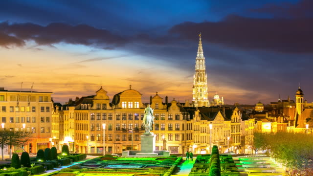 Zeitraffer : Fußgänger Brüssel Grand Place Garten Belgien Sonnenuntergang