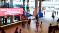 Time-lapse: Voetgangers Crowded bij Shopping store economische district in Bangkok, Thailand.