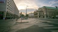 4 K Zeitraffer : Fußgänger überfüllten in Vienna Oper Österreich