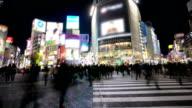 HD-Zeitraffer: Fußgänger Überqueren Sie in Shibuya-Kreuzung