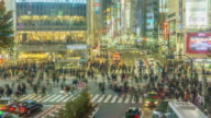 4K Time-lapse: Pedestrians cross at Shibuya Crossing