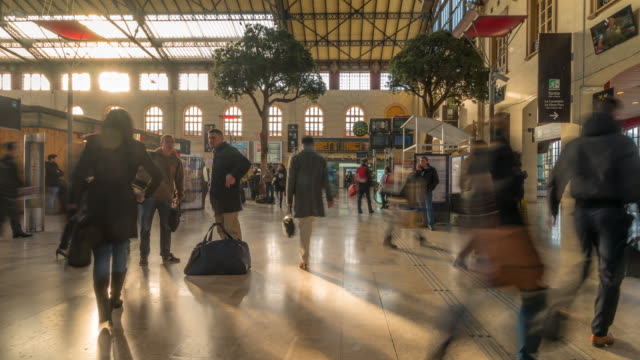 Time-lapse: Pedestrians crowded at Gare Saint-Charles station