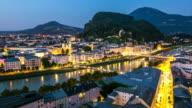4 K Zeitraffer: Salzburg Stadt an der salzach bei Dämmerung, Österreich