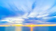 4K Timelapse sunrise on sea