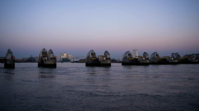 Timelapse Thames Barrier
