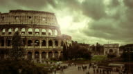Timelapse: the Colosseum of Rome at Christmas