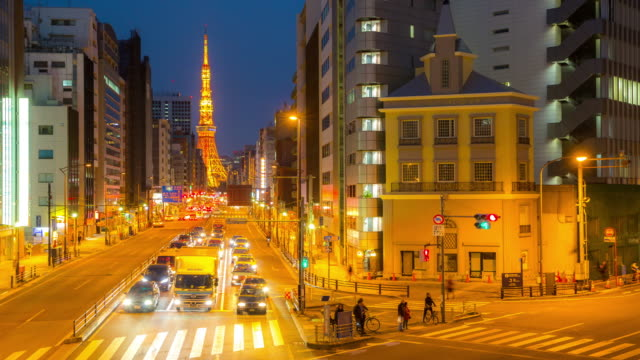 4K Time-lapse: Tokyo tower Japan at dusk
