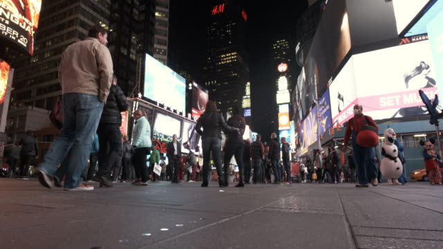 4K - Timelapse Tourists in Time Square NYC