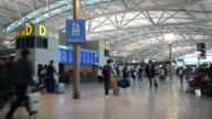 Time-lapse: Traveler Crowd at Airport Departure Hall Incheon