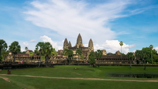 Timelapse view of the afternoon light dropping at Angkor Wat
