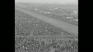 ÒEnglandÕs PicnicÓ Epsom Downs April the Fifth captures 153d English Derby 800000 see 1006 shot outdistance 20 entries in grueling raceÓ / WS large...