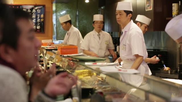 Tokyo Japan Monday Jan5 2015 Kiyomura purchased a 180 kilogram tuna for 451 million yen at the years first auction at Tsukiji Market Photographer...