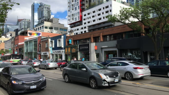 Toronto, Canada: Architectural contrasts in Queen Street West