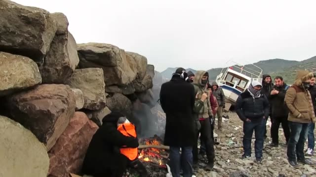 Total of 160 refugees of Iraq Syria and Afghan origin are captured by Turkish Gendarmerie while they were illegally trying to reach Greece's Lesbos...