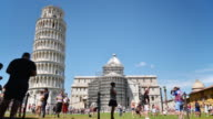 TIMELAPSE: Tourists in Pisa