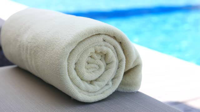 Towel bed pool