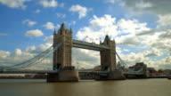 T/L WS Tower Bridge / London, England